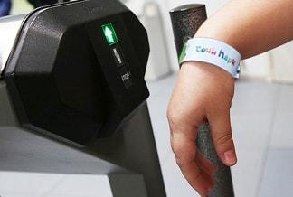 Браслет с RFID меткой